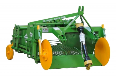 PHSS1400 Potato Harvester (Two Rows - With Shaker)